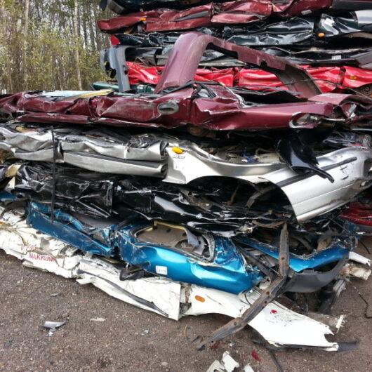 Geplette sloop auto's